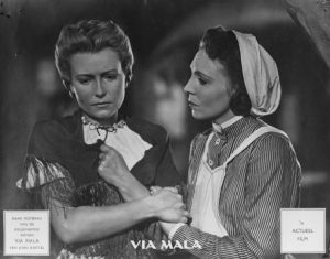 Karin Hardt (links) und Hilde Körber in dem Film Via Mala (1945)